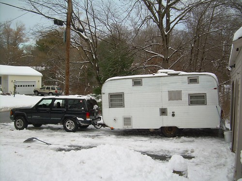 Jeep Cherokee bottomed out Towing Camper