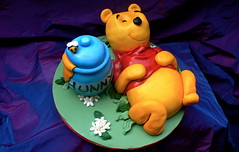 Winnie the Pooh cake (The Ladygloom) Tags: bear yellow disney honey butter pooh winnie semolina noveltycakes foodforthecracked