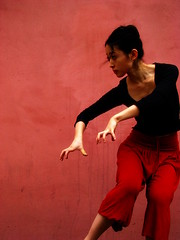 Red Prayer (melancholik) Tags: red rouge dance rojo ballerina satoko redprayer kubricslook