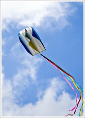 Stillwater Kites (hz536n/George Thomas) Tags: blue summer sky white kite oklahoma stillwater 2008 canon30d canonef70200mmf4lusm