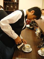 大眼睛咖啡師-小朱