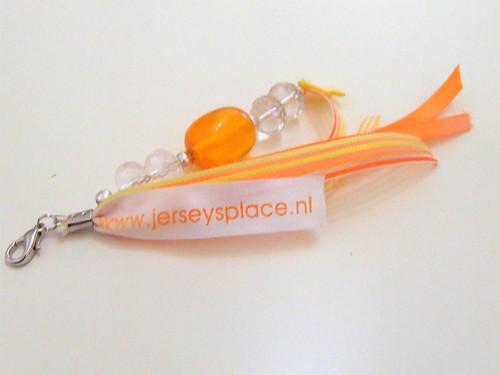 15mm wit lint met oranje bedrukt in Avant Garde