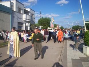 Procesión en Las Perdices en Honor a la Virgen del Rosario