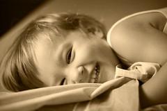 Elisa´s smile (zane) Tags: portrait child seppia