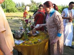 Madre Kripa Sakti dd. (Centro Cultural VRINDA) Tags: puja mandal 2007 prema giri govardan