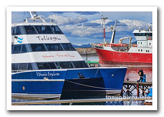 Ushuaia (Tony Glvez) Tags: patagonia argentina canon de geotagged tierradelfuego ushuaia boat barco ship explorer canoneos20d catamaran canoneos buque endoftheworld findelmundo fimdomundo catamara geolocated tolkeyen geolocalizada geoetiquetada geoposicionada geopositioned