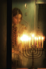 the last night of chanukah (tamelyn) Tags: window candles glow chanukah myson eight hanukkah menorah utatafeature fromtheoutsidelookingin ilovethewayitlookswhenallthecandlesareglowing ilovethewaymysonsfaceisglowingtoo