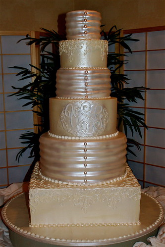 fondant wedding cakes. Tiered wedding cake with