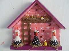 """E com vocs o COR DE ROSA!!! (""""DAI DUARTS"""") Tags: cold de rosa biscuit da porta cor porcelain pintinho chaves angola fria galinheiro porcelana galinhas"""
