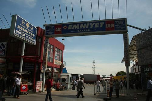 Estação Terminal de Autocarros Emniyet em Aksaray - Istambul