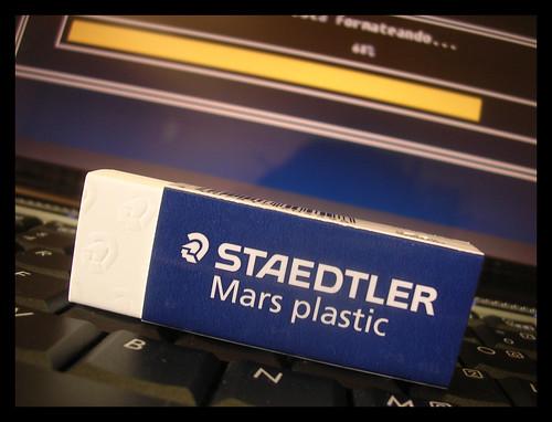 Borra con Staedtler 2