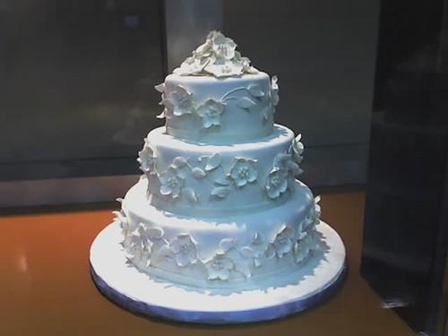 white cake weddingcake fondant
