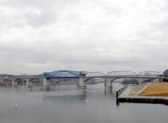 The Market Street Bridge (Robert Lz) Tags: chattanooga river chains tn tunnel tenn riverboat fatcat ac crows rx mellowmushroom thetimes elzey cokesign robertlz honestcharlie stonefortinn