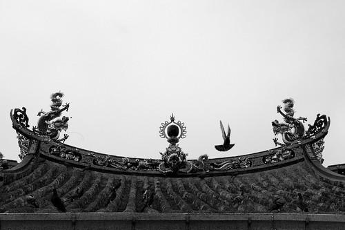 kwan yin temple - roof line