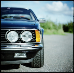 08 (romanraetzke) Tags: blue analog mediumformat colours fujireala chrome squareformat 1984 bmw blau kiev farbe chrom 2007 farben 6er youngtimer sportwagen scheinwerfer mittelformat 628csi