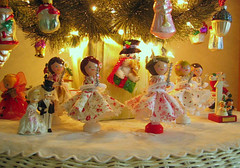 Santa Lucia Dolls Under The Tree (Cindy {K}) Tags: holiday cozy dolls alicia handmade lucia sant gets posie paulson clothepin