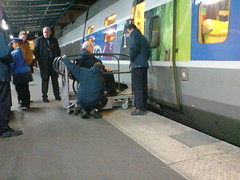 Getting on the TGV with the ' passerelle'
