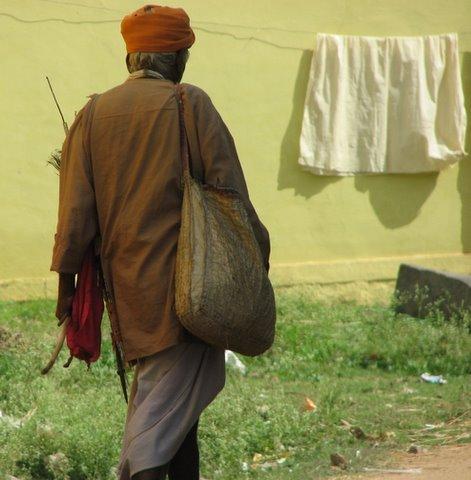 wandering mendicant chamarajanagar 040108