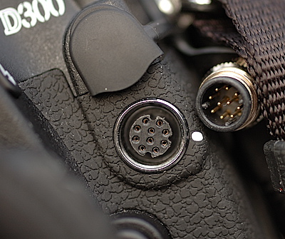 Cleon 10-pin connector next to the remote socket on the D300