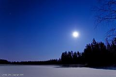 Full moon over a snowy and frozen lake (Rob Orthen) Tags: winter sky moon lake snow night finland stars landscape nikon europe rob fullmoon scandinavia talvi kuu sysmä ranta d300 järvi orthen roborthenphotography