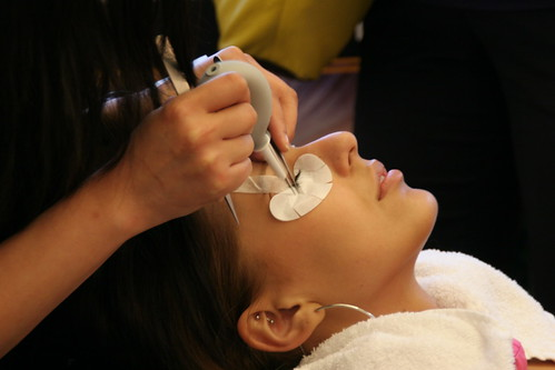 Eyelash Extensions Salons