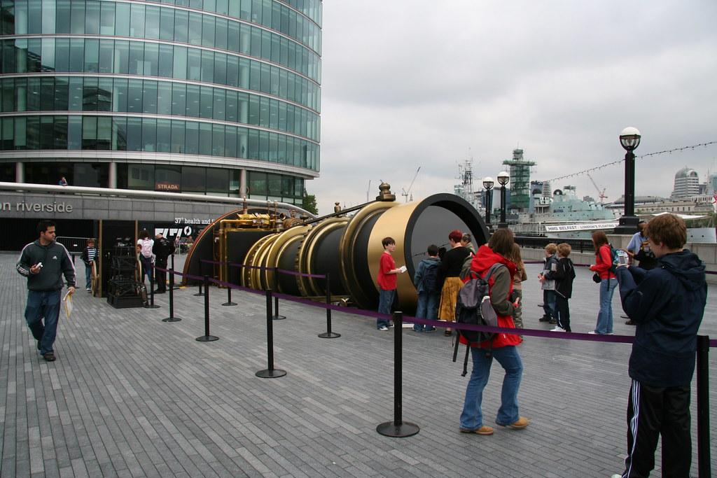 London to New York telectroscope