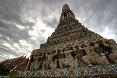 On Giants' Shoulders (J.^2) Tags: sky canon thailand temple cloudy bangkok buddhist giants watarun j2 hdr jiangjiang prang templeofthedawn 3xp 400d jsquare