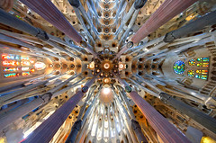 Sagrada Famlia (traumlichtfabrik) Tags: world barcelona city travel church geotagged spain reisen europa europe long peace pentax kirche sigma happiness frieden ceiling famlia decke stadt sagradafamilia 8mm espagne coordinates position spanien lat welt kx 816 2011 traumlichtfabrik
