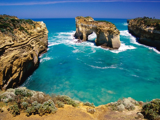 Loch-Ard-Gorge-Port-Campbell-National-Park-Australia