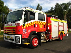 NSWFB Isuzu Fire/Rescue Windsor 081 (Highway Patrol Images) Tags: rescue firetruck fireengine emergency ems isuzu firerescue nswfb rescuetruck nswfirebrigades