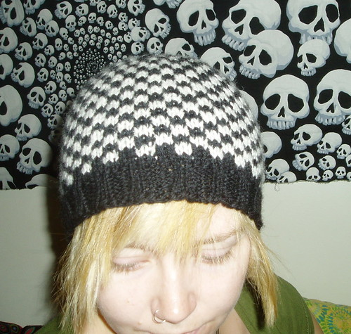 Black and white checkered hat with pattern knitting i would start a new topic for it and focus on just this hat so anyways heres the pictures of it followed by my attempt at pattern writing dt1010fo