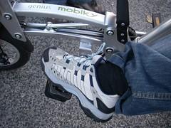 Como prender as calças para pedalar - II