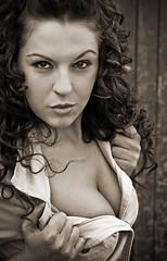 ¡Que ojos!  ;-) (Jordi Armengol Photography) Tags: portrait woman model retrato bn modelo afdb ostrellina retratojam