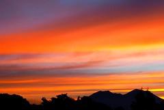 Un bell'inizio di giornata (bluandgreen) Tags: colors sunrise lumix alba colori soe naturesfinest sfide abigfave bluandgreen aplusphoto platinumheartaward scattatadaltettodellafabbrica micisonoarrampicato