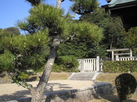 景行天皇陵-御陵の前