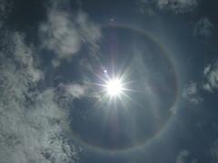 Strani fenomeni (delupo77) Tags: sun titicaca lago alone perù sole arcobaleno luce puno aurea