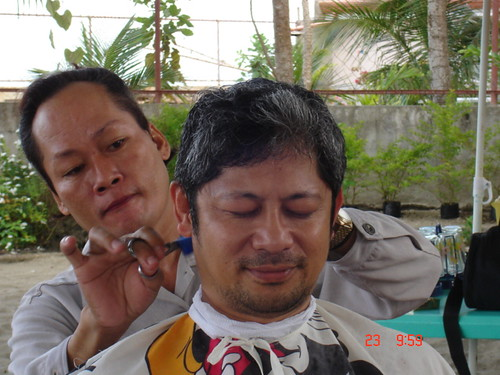 Hairdresser barber hair cut surigao Pinoy Filipino Pilipino Buhay  people pictures photos life Philippinen  菲律宾  菲律賓  필리핀(공화국) Philippines
