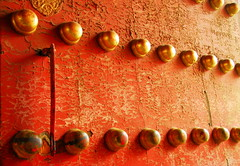 Meridian Gate (... Arjun) Tags: china door wood red 15fav texture metal 1025fav 510fav gold nikon gate asia crowd beijing entrance 100v10f unescoworldheritagesite worldheritagesite 2550fav copper gateway take opening  d200  forbiddencity attendance receipts 2008 entry freetibet meridian revenue  peoplesrepublicofchina palacemuseum turnout meridiangate proceeds mainlandchina  29mm 18200mmf3556g bluelist 123faves numberofspectators numberofticketholders totaladmissionmoney