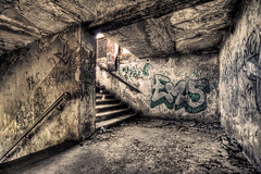 (5y12u3k) Tags: abandoned station stairs train poland rubbish hdr gdansk decayed escaleras rotted gdask desolated 3xp zaspa mywinners zaspatowarowa theperfectphotographer 5y12u3k sylwekeu