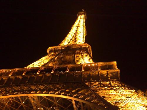 Le Tour Effeil by night