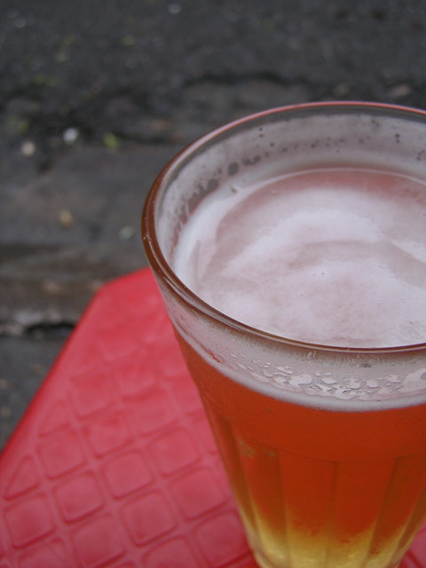 glass of bia hoi
