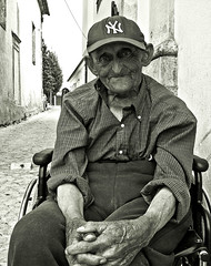 For Mimma (Willem Heerbaart) Tags: street old portrait bw portugal blackwhite snapping wheelchair demented tentugal portuguesepeople theexhibit impressedbeauty aplusphoto