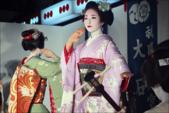 S U Z U H A : Maiko (mboogiedown) Tags: travel woman girl beauty japan asian japanese dance kyoto asia traditional culture maiko geiko geisha kimono obi gion kansai oshiro gionmatsuri yoiyama kyomai kobu suzuha