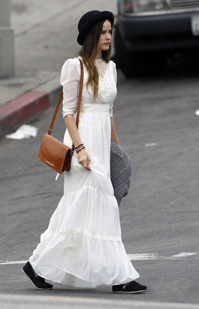 isabel-lucas-white-dress