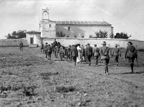 An Australian Funeral. Col Fiaschi, Col Dick & other 3rd A.G.H. Officers & Sisters are here seen. Lemnos. 1915.