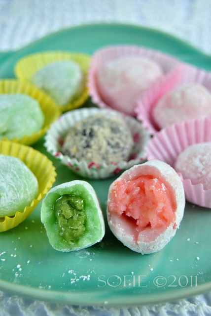 Green tea & Strawberry Mochi
