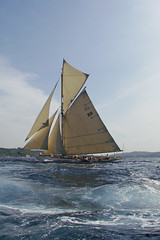Moonbeam III (mhobl) Tags: boat sailing yacht regatta soe segeln 2007 sainttropez mywinners moonbeamiii