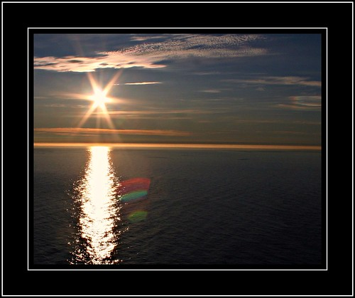 Norway Nordkapp:   midnightsun    06.1302.34