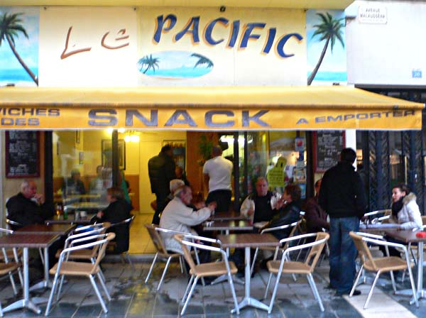 cafe-pacific-tram-40830