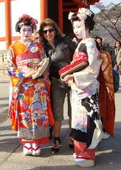 Gueixas (Ldia Ramalho) Tags: frias viagem oriente japo mulheres kioto breathtaking digitalcameraclub outrostempos anawesomeshot firsttheearth ysplix searchandreward top20femmes geixas japodesonho peachofashot ldiaramalho